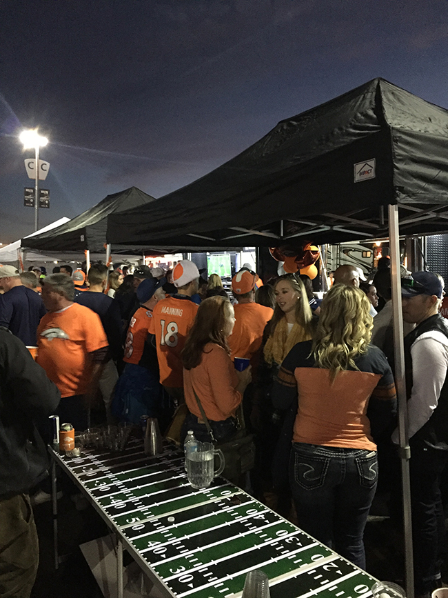 denver-broncos-tailgating-beer-pong-tailgate-usa