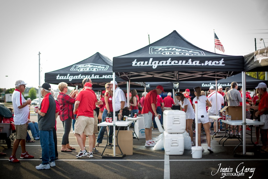 tailgate-party-under-tents